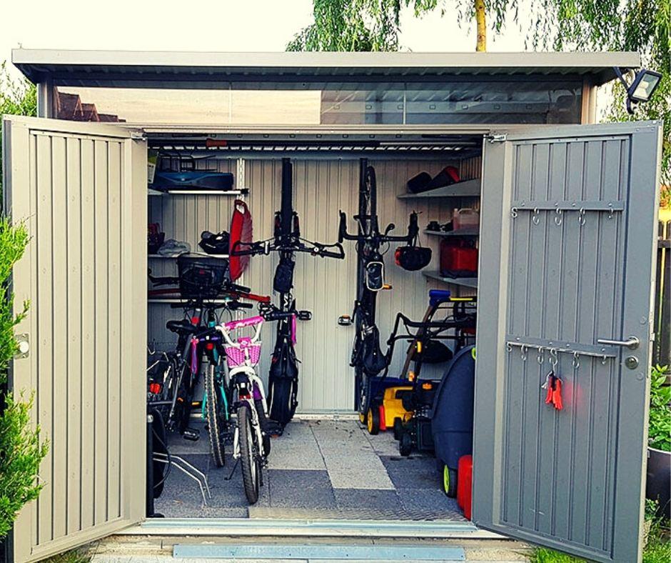 garaż do ogrodu