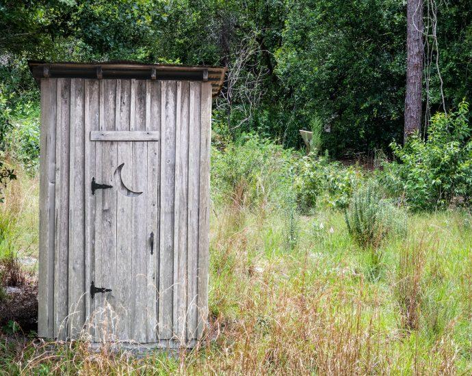 toaleta na działkę